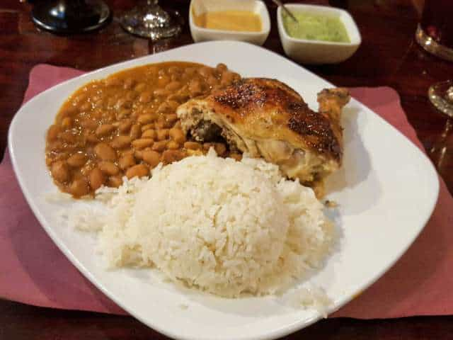 Plate-of-chicken-rice-beans